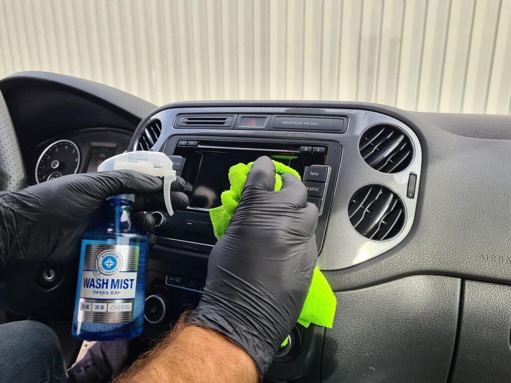 Odnawianie plastików wewnątrz samochodu