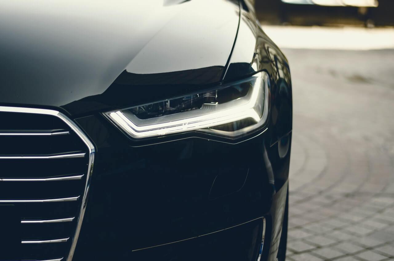 Jak polerować lampy samochodowe
